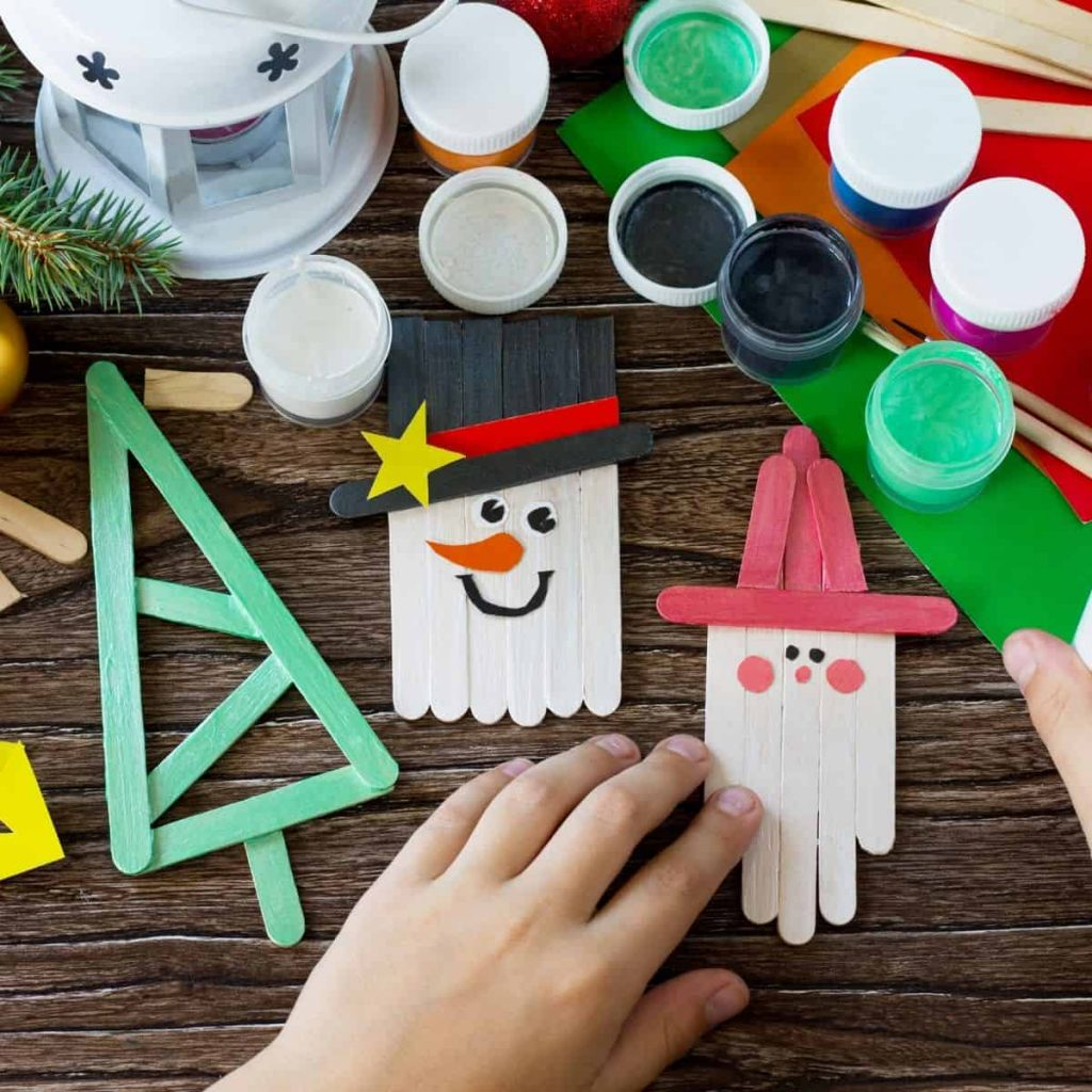 Christmas crafts made with popsicle sticks