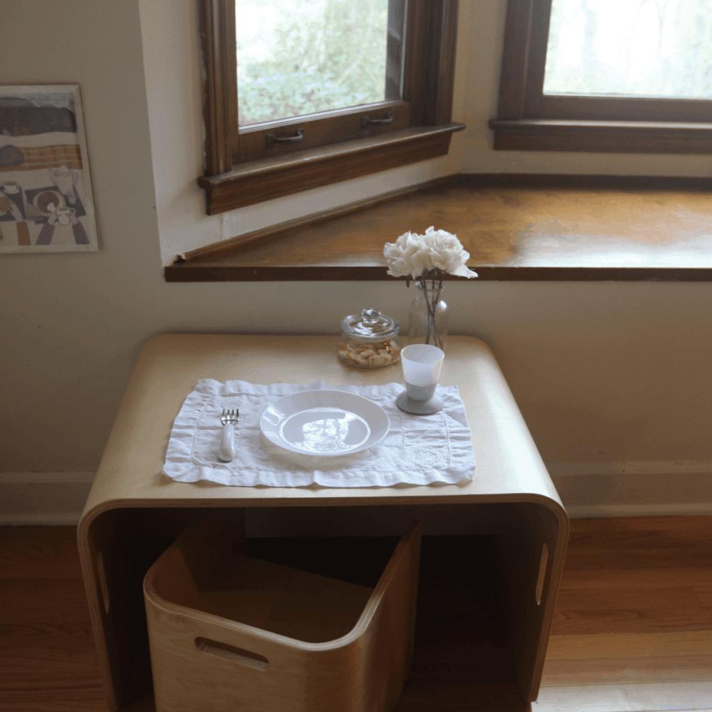 Montessori weaning table