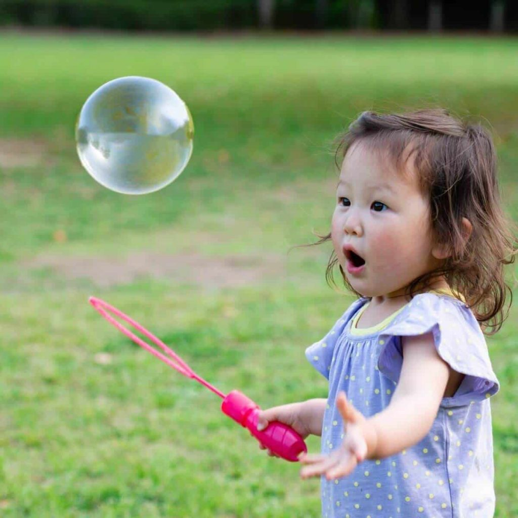 emotional development in toddlers bubbles